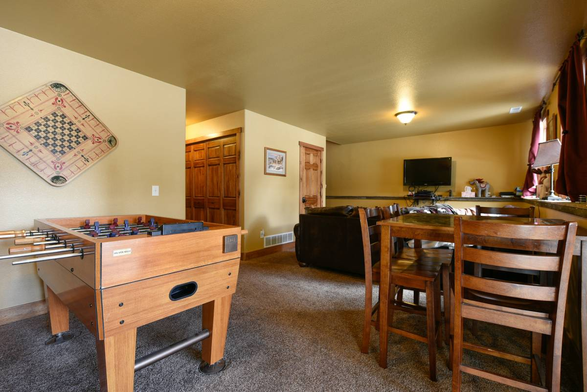 Buffalo Trail Cabin Lower Level Game Room & Family Room