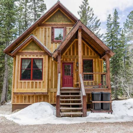 Buffalo Trail Cabin**